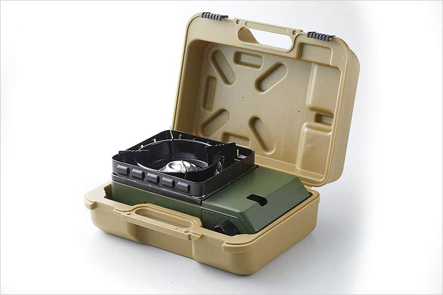持ち運びや収納に便利なハードケース付き