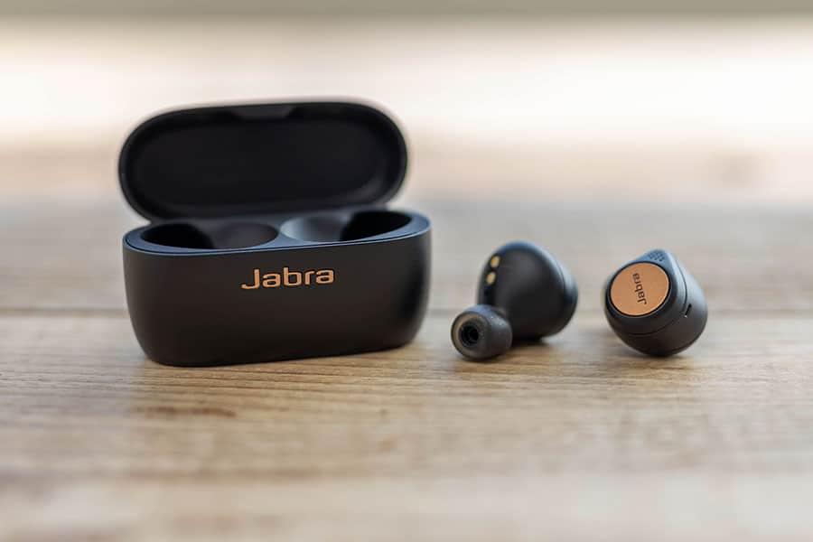 Jabra Elite Active 75t 充電ケースとイヤーピース