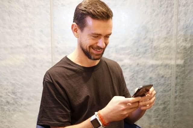TwitterのCEOはiPhoneだけで仕事する