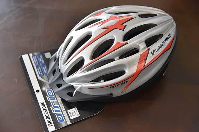 自転車で転倒した子どもの頭の衝撃を軽減するキッズヘルメット購入レビュー サイズの測り方も