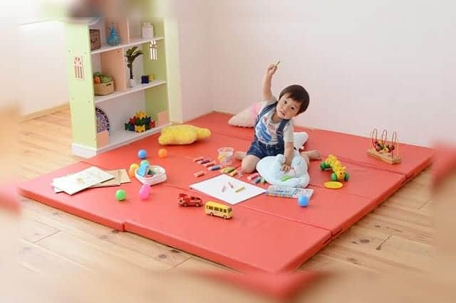 子供の足音が激減!マンションやアパートの騒音苦情が気になるなら、衝撃吸収マットがおすすめ。