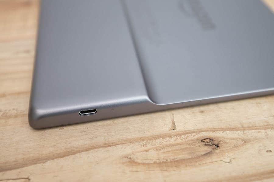 micro USB 端子
