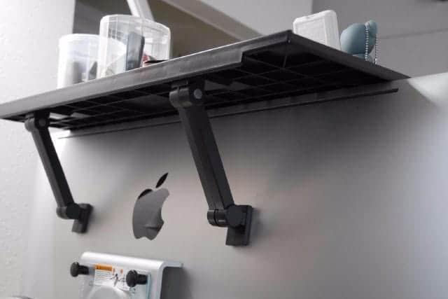 iMacの上にも棚が作れるディスプレイボード