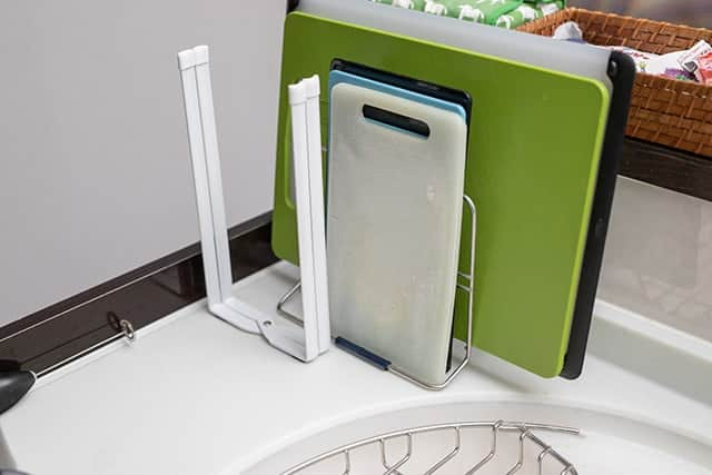 使ってない時は台所の端に畳んで置いておけます