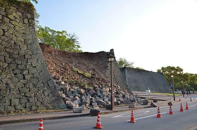 崩落した百間石垣