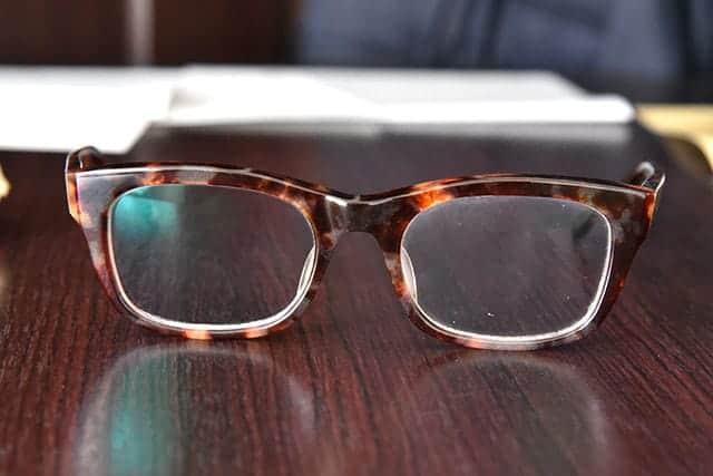 メガネもキョンセームでピカピカ