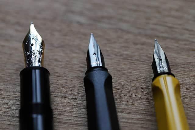 万年筆3本のペン先写真