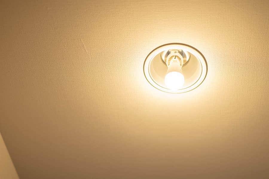 パナソニックのLED電球も無事に点灯