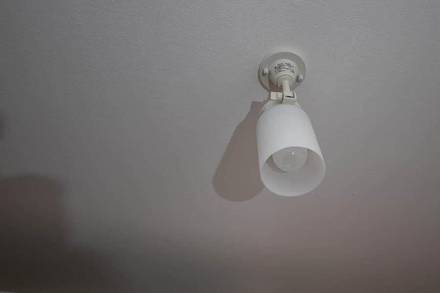 仕事場の電球