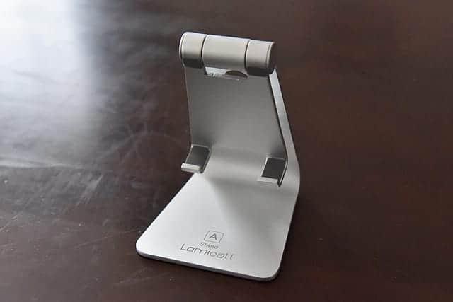 アルミ合金製のシンプルなデザイン