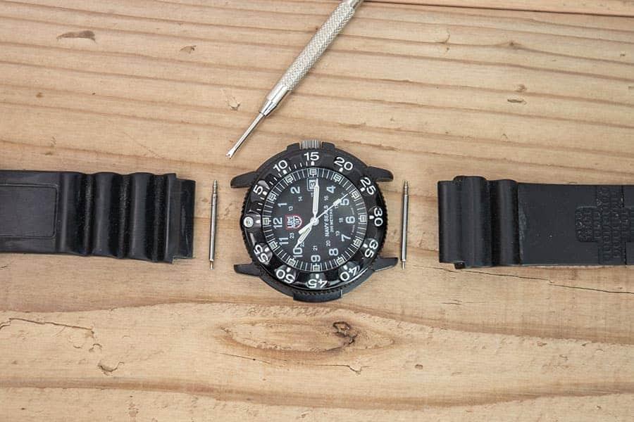 腕時計のバンドを自分で交換!20年もののルミノックスが蘇った
