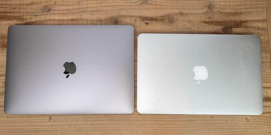 上から見たところ 左:M1 MacBook Air 右:Mid 2013