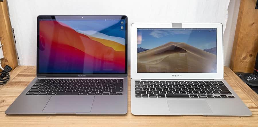蓋を開けたところ 左:M1 MacBook Air 右:Mid 2013