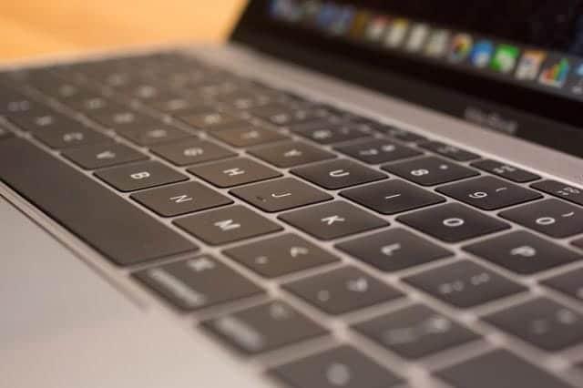 MacBookのキーボード不具合で集団訴訟に直面