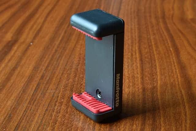 マンフロットのスマートフォン用三脚アダプター 正面写真