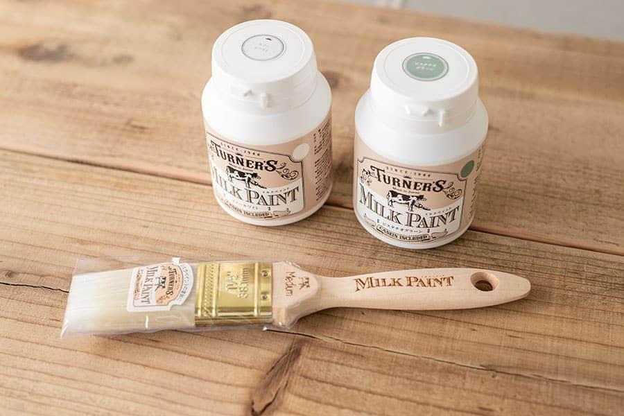 ミルクペイントで木材をカラフルに!古材を白とタピオカで塗装してみた結果