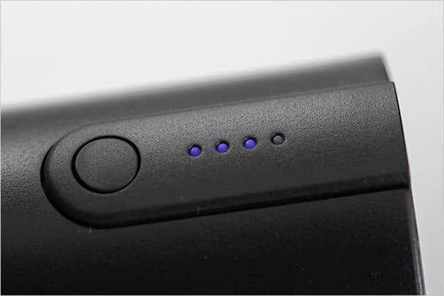 LEDで充電レベルをチェック