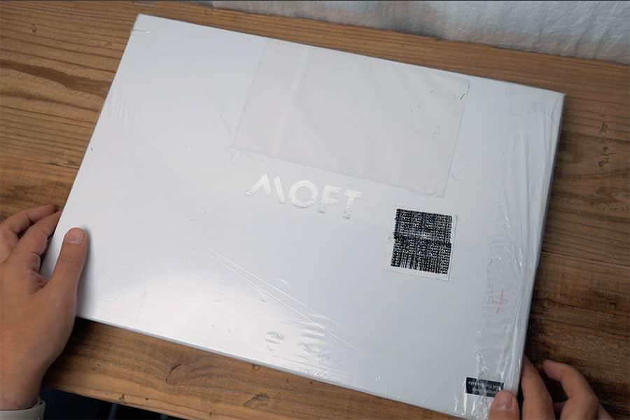 MOFT キャリングケースのパッケージ