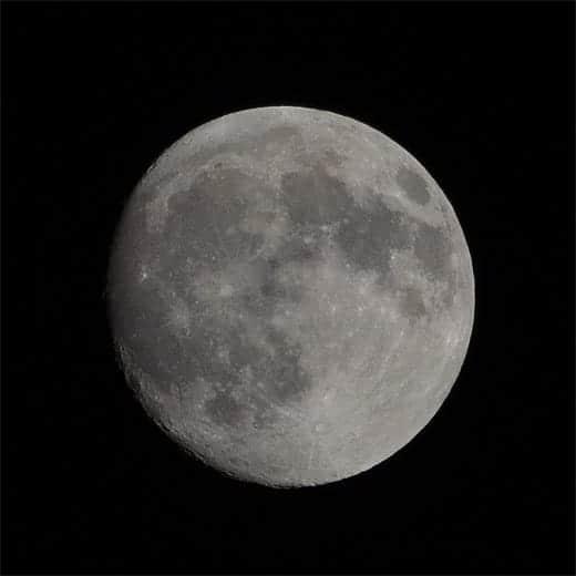 月を引き寄せる
