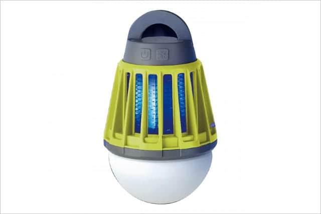 LEDライトと殺虫ライトがひとつになった『Moskee Lantern』夜の蚊取りはお任せ。