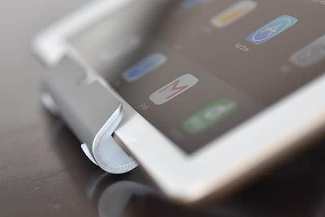 厚さ7.5mmの新iPadだとちょっとギリギリ