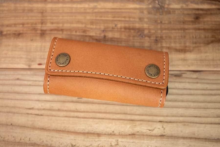 初めての革のキーケースは土屋鞄のナチューラヌメ革に決めた!