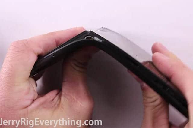 Nexus 6P はiPhone6sよりもかなり曲がりやすいことが判明