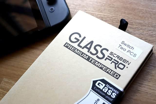 2枚目の保護ガラスフィルムを付ける!