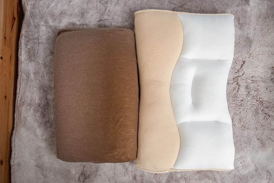 テンピュールの枕と昭和西川の枕