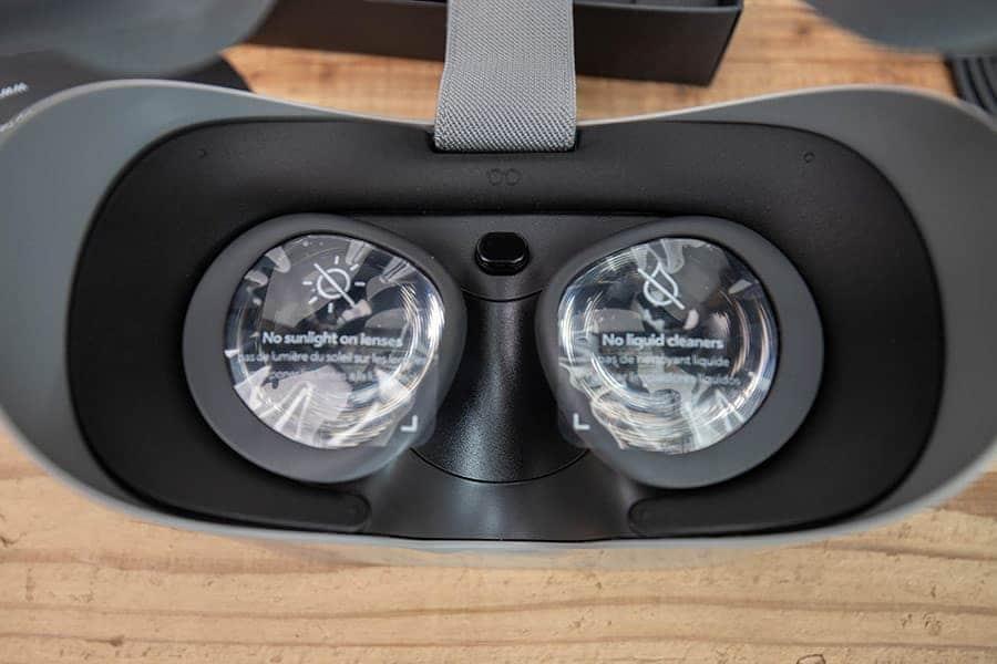 メガネスペーサーを取り付けたOculus Go