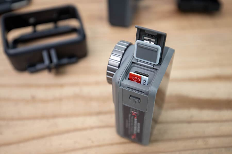 録画するにはマイクロSDカードが必要です
