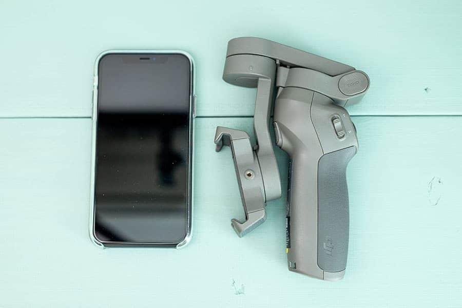 iPhone 11とOsmo Mobile 3の大きさ比較