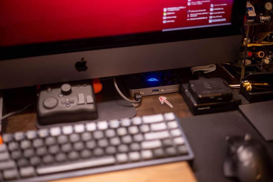 iMac Proのここに設置しました