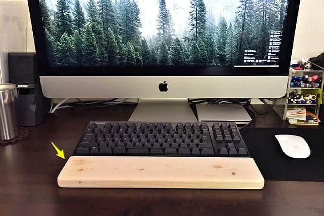 木製パームレスト自作!333円でこんなにキレイに出来ました。キーボードが高くなってももう大丈夫。