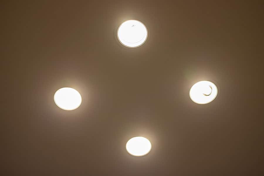 T形LED電球 無事に点灯