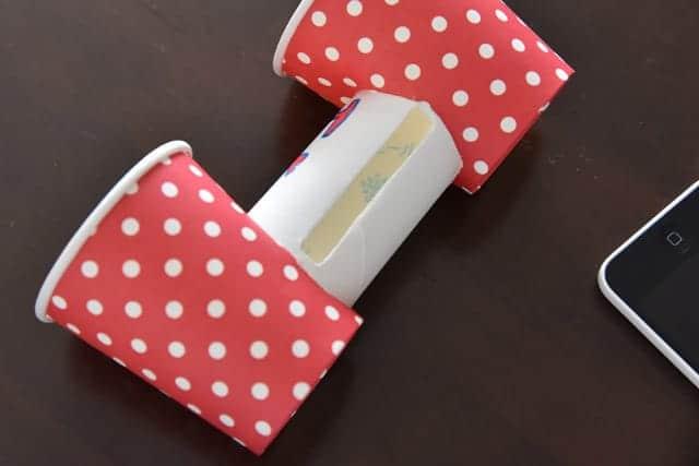 iPhoneを外した紙コップスピーカー