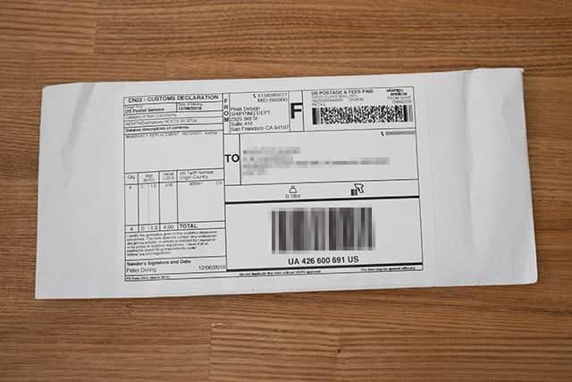 申し込み完了から約2ヶ月後。ポストに封筒が投函されてました。