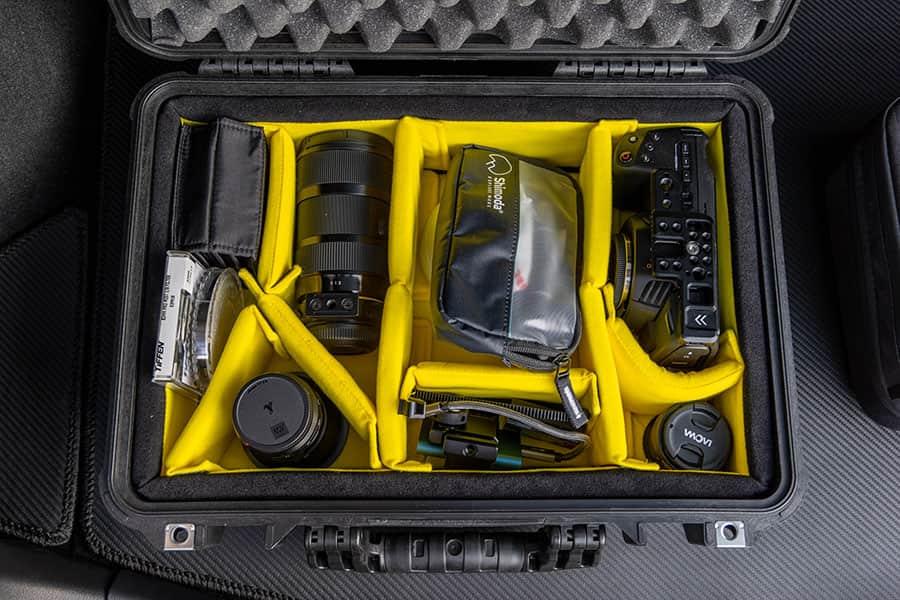 Pelican 1500 case ディバイダータイプ1504HKBKの中身