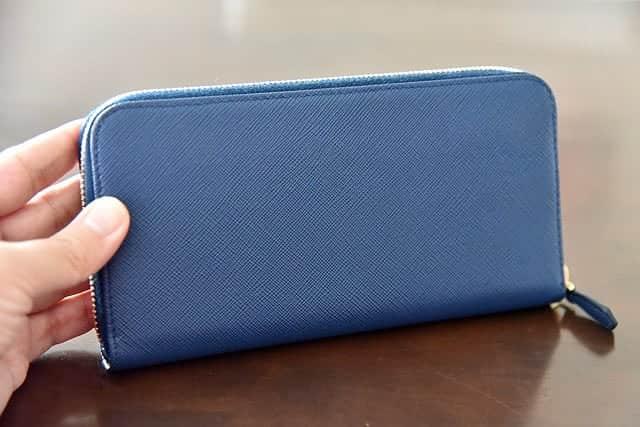 プラダの長財布 背面