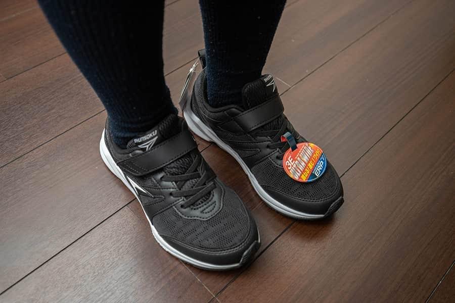 子どもの靴選びで迷ったら、最大6足まで自宅で試し履きできるプライム・ワードローブがおすすめ