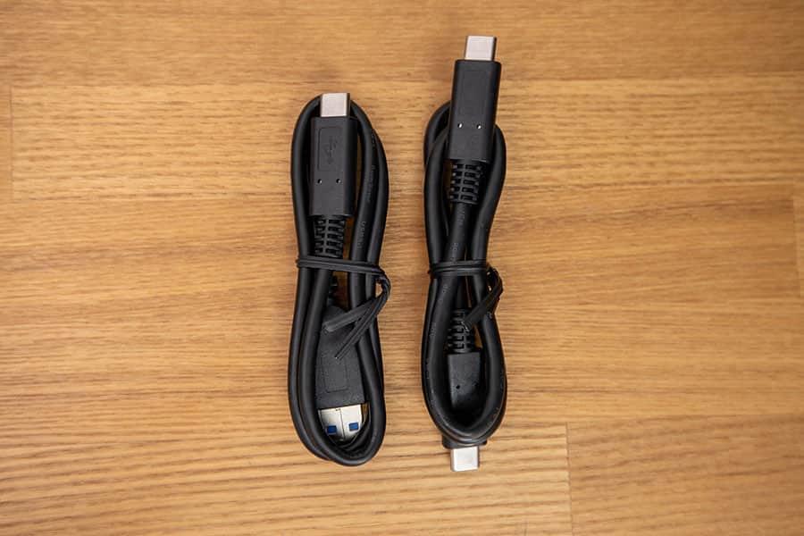 付属のケーブル2種 USB-CとUSB-A