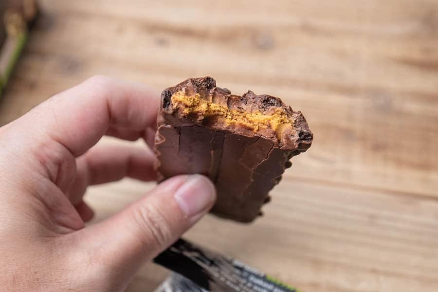 コンバットクランチ チョコレートチップクッキー生地の中身