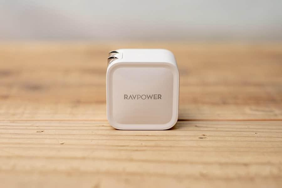 Apple純正30W・61W急速充電器が大きくて重い?ならこれがおすすめ!