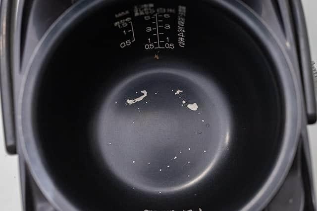 内釜がはがれた炊飯器ってそのまま使って大丈夫?怖くて買い替えたけど…