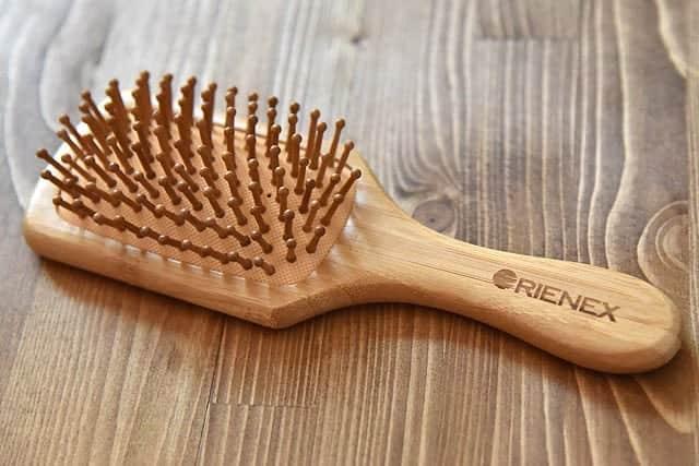 頭皮マッサージに最適な天然竹へアブラシが気に入ったので小サイズも買ってみたレビュー
