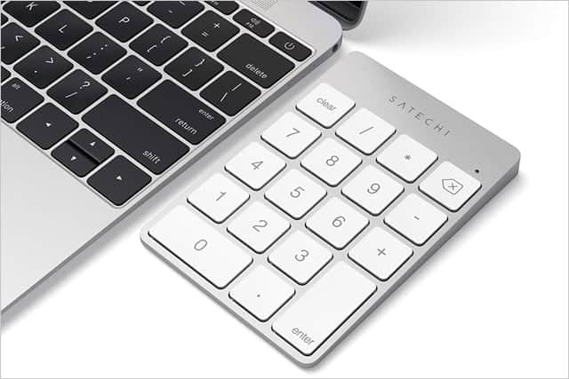 MacBookと無線テンキーキーボード