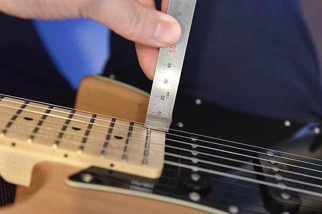 ギターの弦高調整
