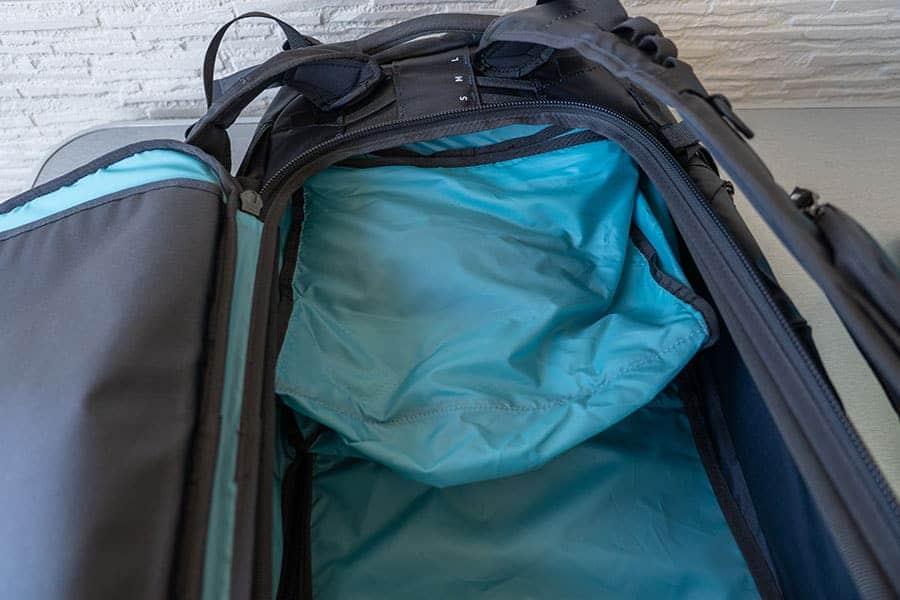 バッグの上は袋状のパーツが付属