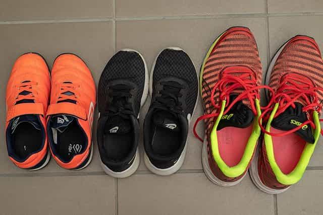 靴の匂いを取る つの方法