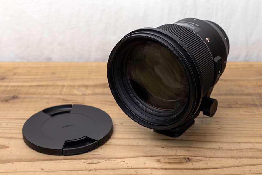 SIGMA 105mm F1.2 レンズフロントキャップがメンコみたいに大きい